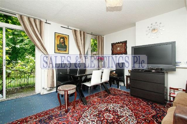 3 Bedrooms Flat for sale in Carlton Vale, London
