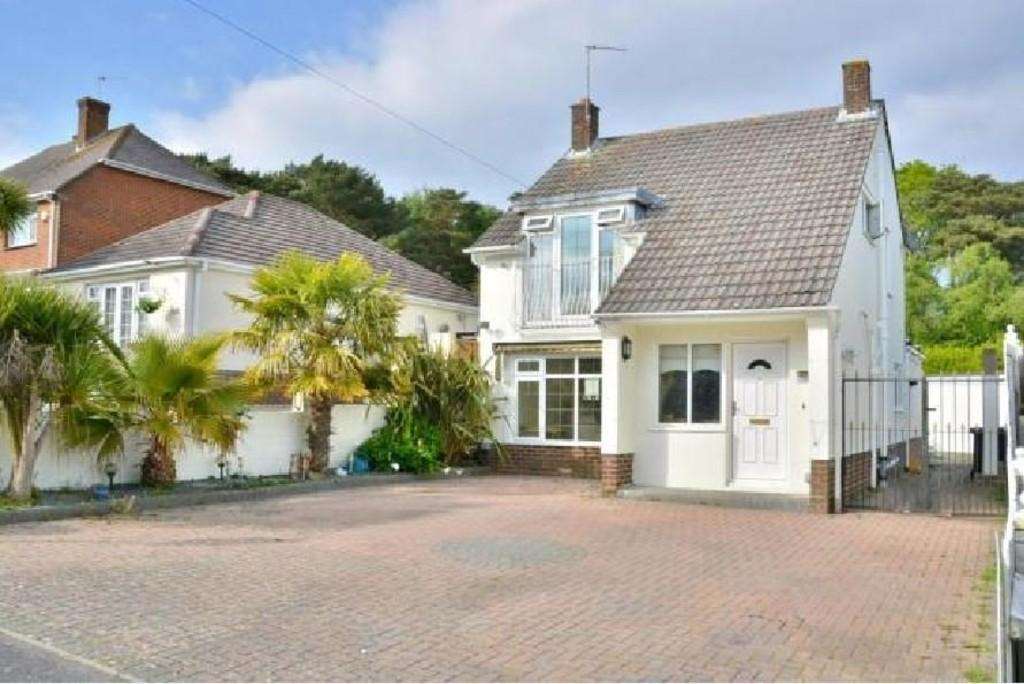 3 Bedrooms Detached House for sale in Napier Road, Poole
