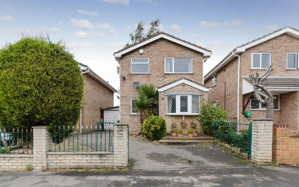 3 Bedrooms Detached House for sale in Beacon Drive, Upton