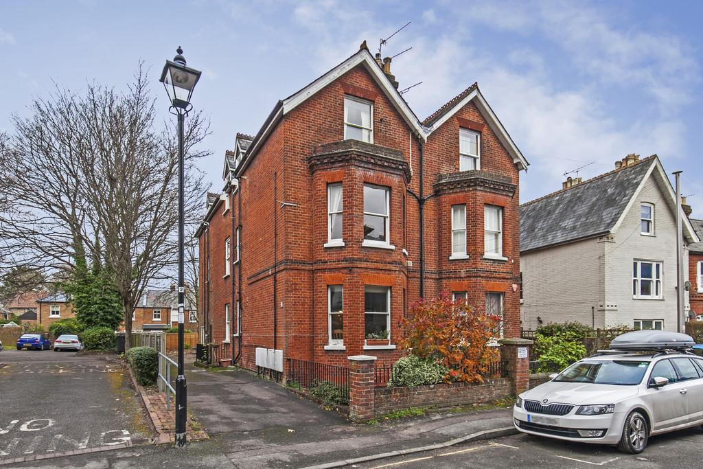 1 Bedroom Ground Flat for sale in Victoria Road, Winchester, SO23
