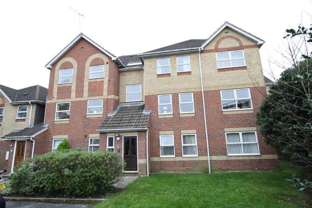 2 Bedrooms Flat for sale in Tichborne House, Hedge End SO30