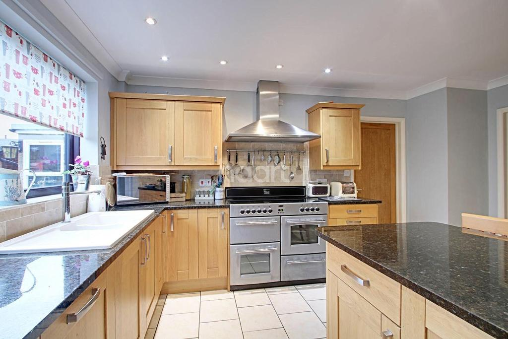 4 Bedrooms Detached House for sale in Westfield Rd, Newton-in-the-isle