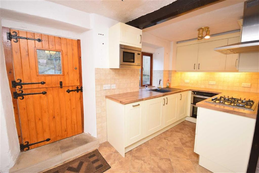 2 Bedrooms Cottage House for sale in Hill Top, Barrowford, Lancashire