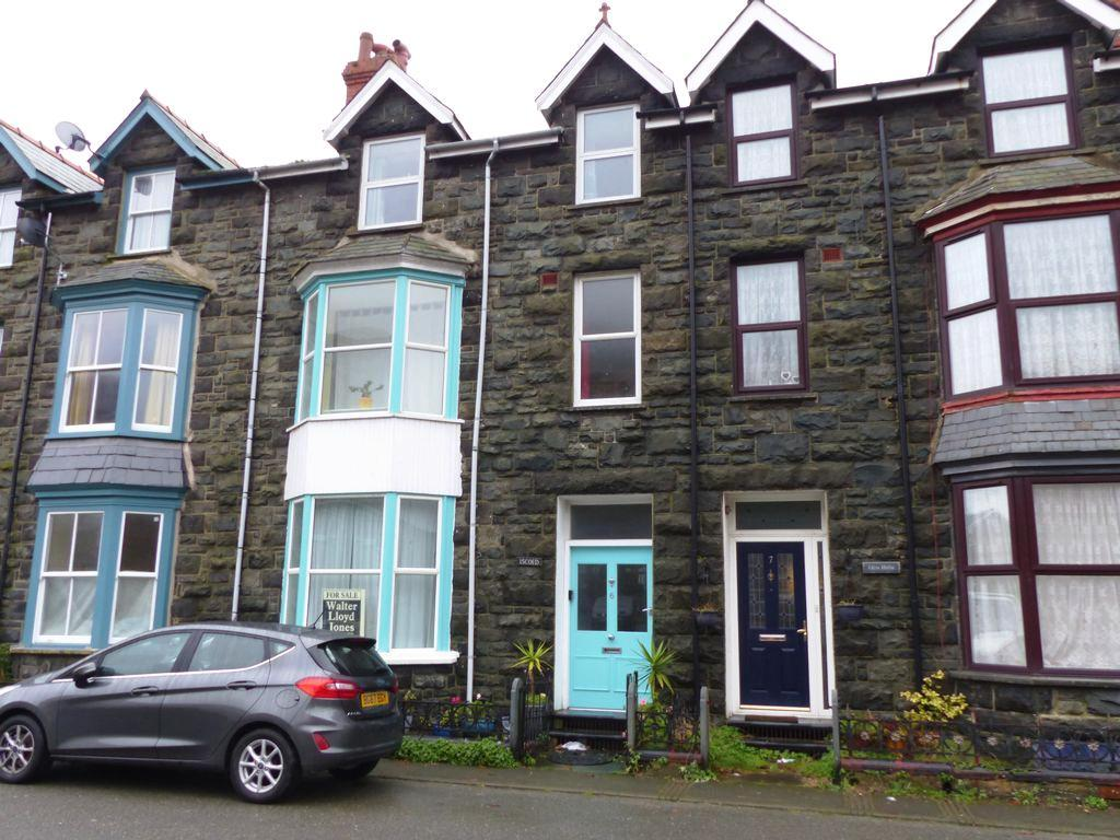 6 Bedrooms House for sale in 6 Marine Road, Barmouth, LL42