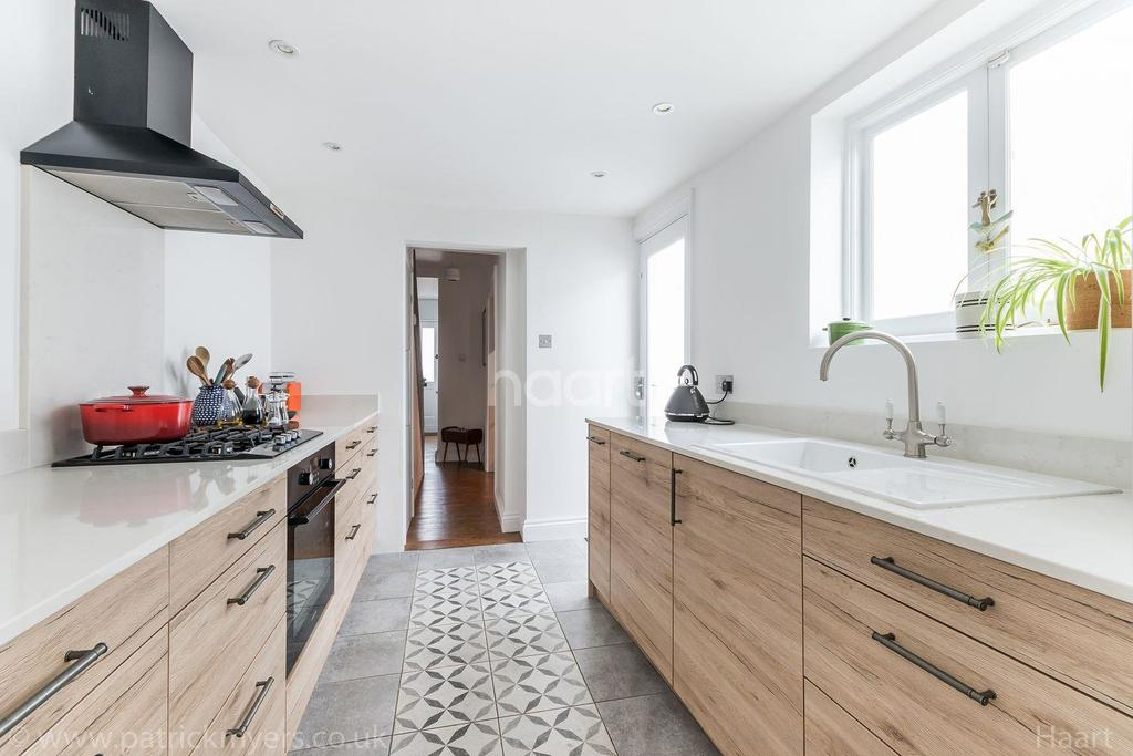 2 Bedrooms Terraced House for sale in Lordship Lane, East Dulwich, London, SE22
