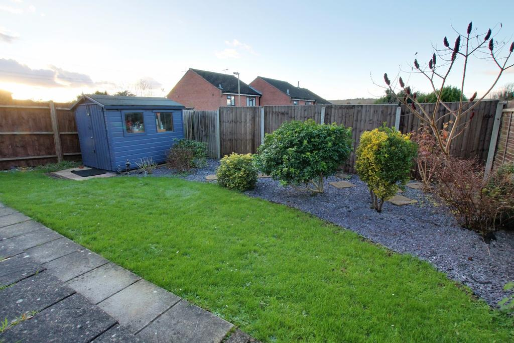 2 Bedrooms Detached Bungalow for sale in CLANFIELD