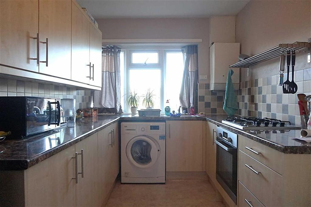 3 Bedrooms Apartment Flat for sale in Gisburn Road, Hessle, Hessle, HU13