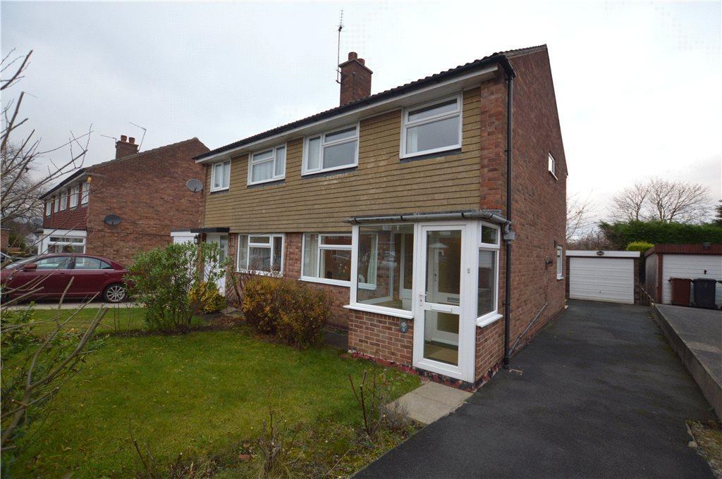 3 Bedrooms Semi Detached House for sale in Sunningdale Drive, Leeds, West Yorkshire