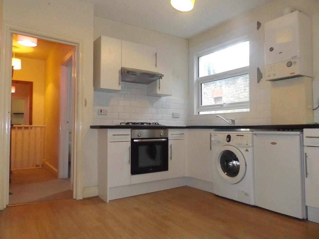 Studio Flat for sale in Mitcham Road, Tooting SW17