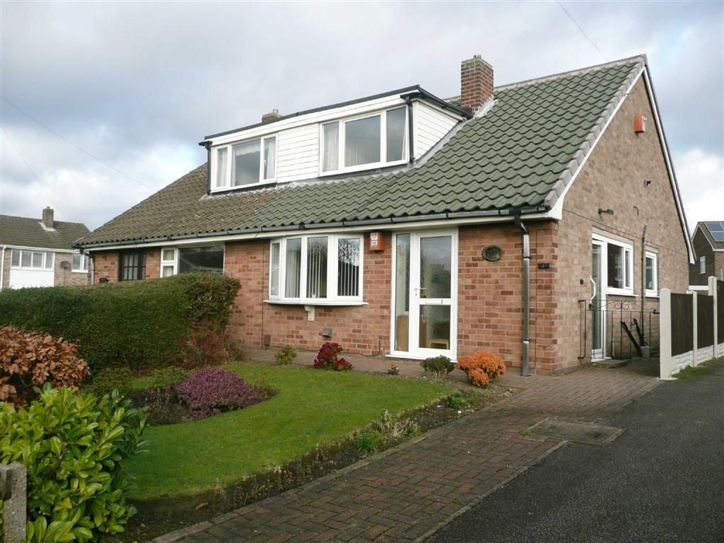 3 Bedrooms Semi Detached Bungalow for sale in Langdale Square, Brimington, Chesterfield, S43