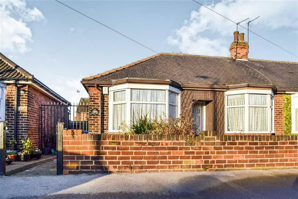 2 Bedrooms Semi Detached Bungalow for sale in Telford Street, Hull, East Yorkshire, HU9