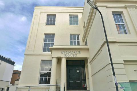 2 bedroom flat to rent - AVONDALE HOUSE - CARLTON CRESCENT - UNFURN