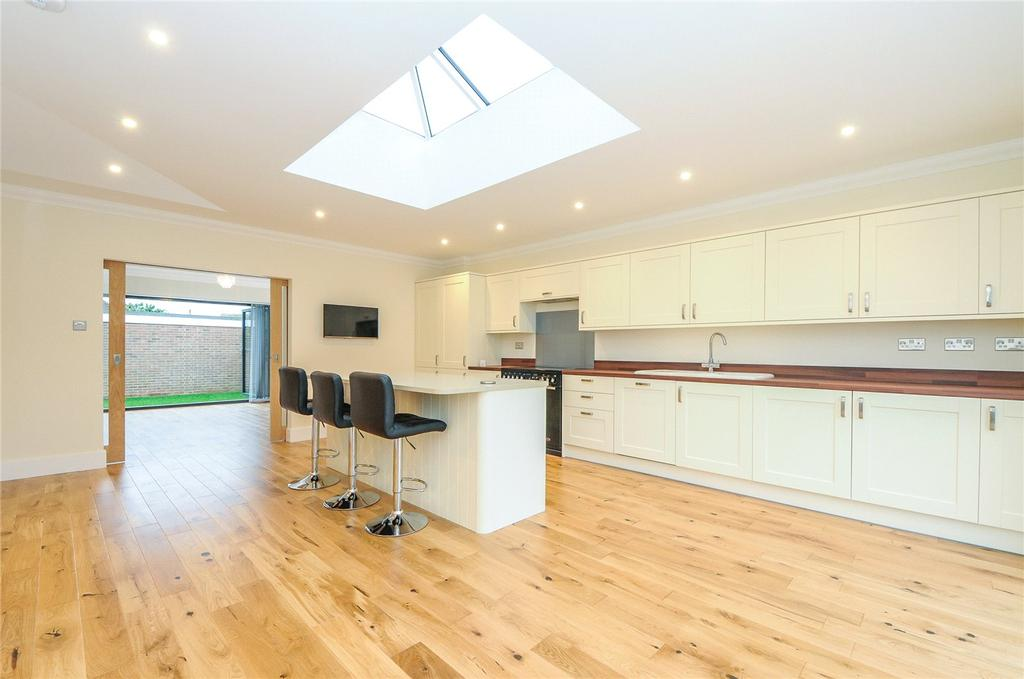 3 Bedrooms Detached Bungalow for sale in Sunny Close, Goring-by-Sea, Worthing, West Sussex, BN12