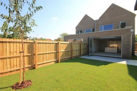 4 bedroom semi-detached house for sale - Vineyard Place, Cambridge, Cambridgeshire, CB1