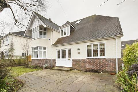 5 bedroom detached house to rent - Downs Park East, Westbury Park