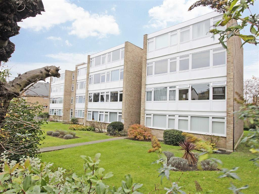 2 Bedrooms Flat for sale in Albemarle Road, Beckenham, Kent