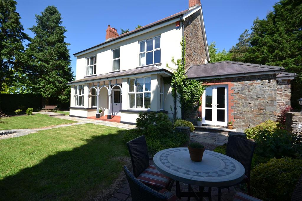 4 Bedrooms Land Commercial for sale in Carmarthen