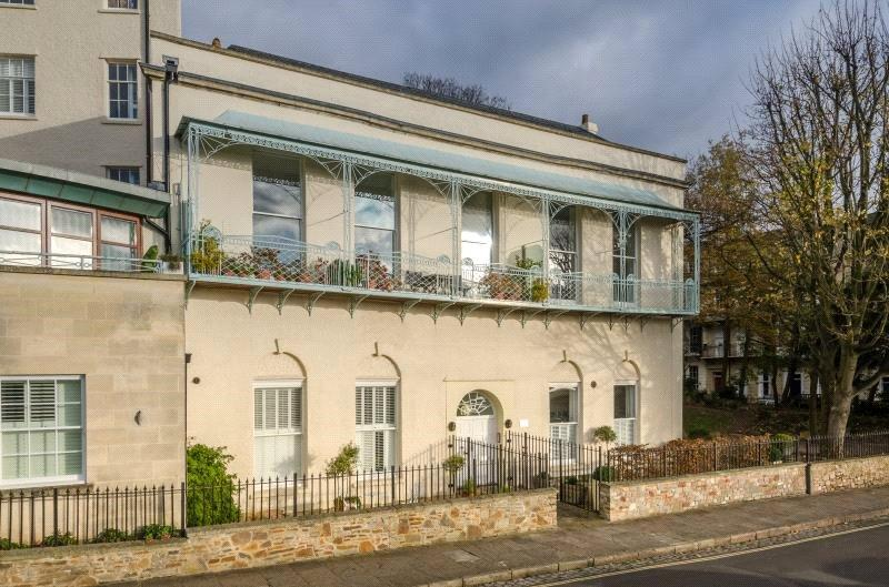 2 Bedrooms Maisonette Flat for sale in Sion Spring House, Sion Hill, Bristol, BS8