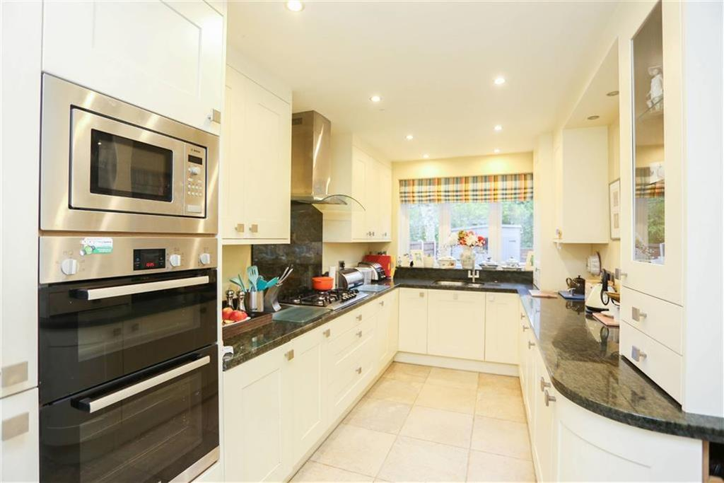 3 Bedrooms Semi Detached House for sale in Queen Street, Marple, Cheshire
