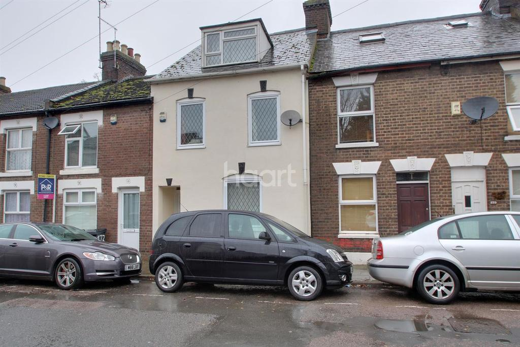 4 Bedrooms Terraced House for sale in Large four bedroom in High Town