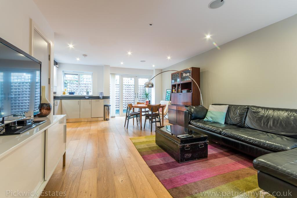 2 Bedrooms Terraced House for sale in Harbour Road