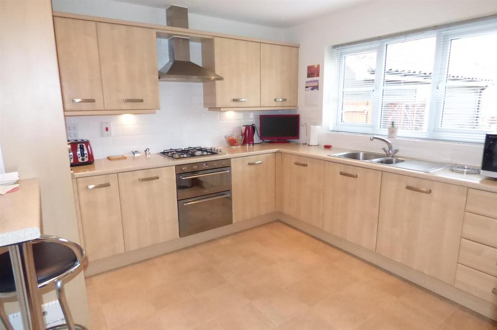 4 Bedrooms House for sale in Stuart Drive, Thetford