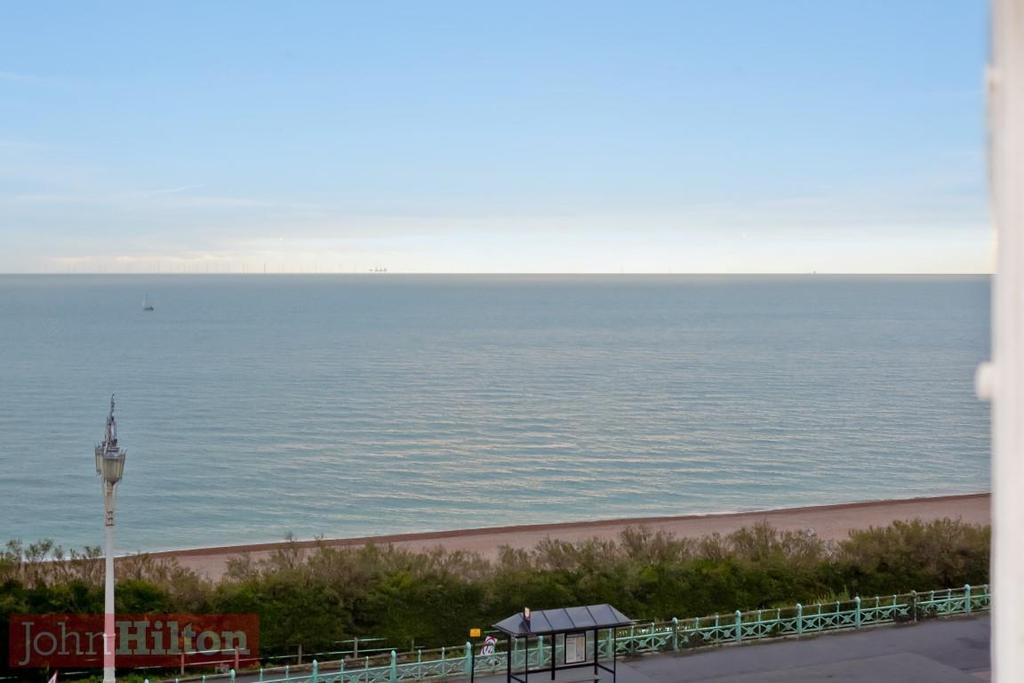 785. Sea View 1.jpg