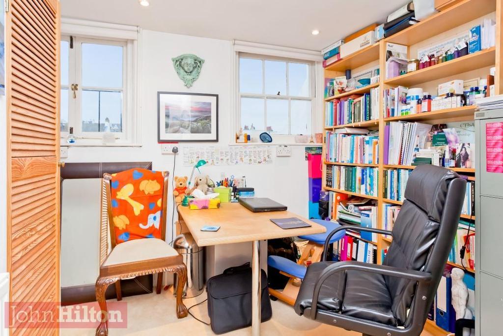 785. Study Office.jpg