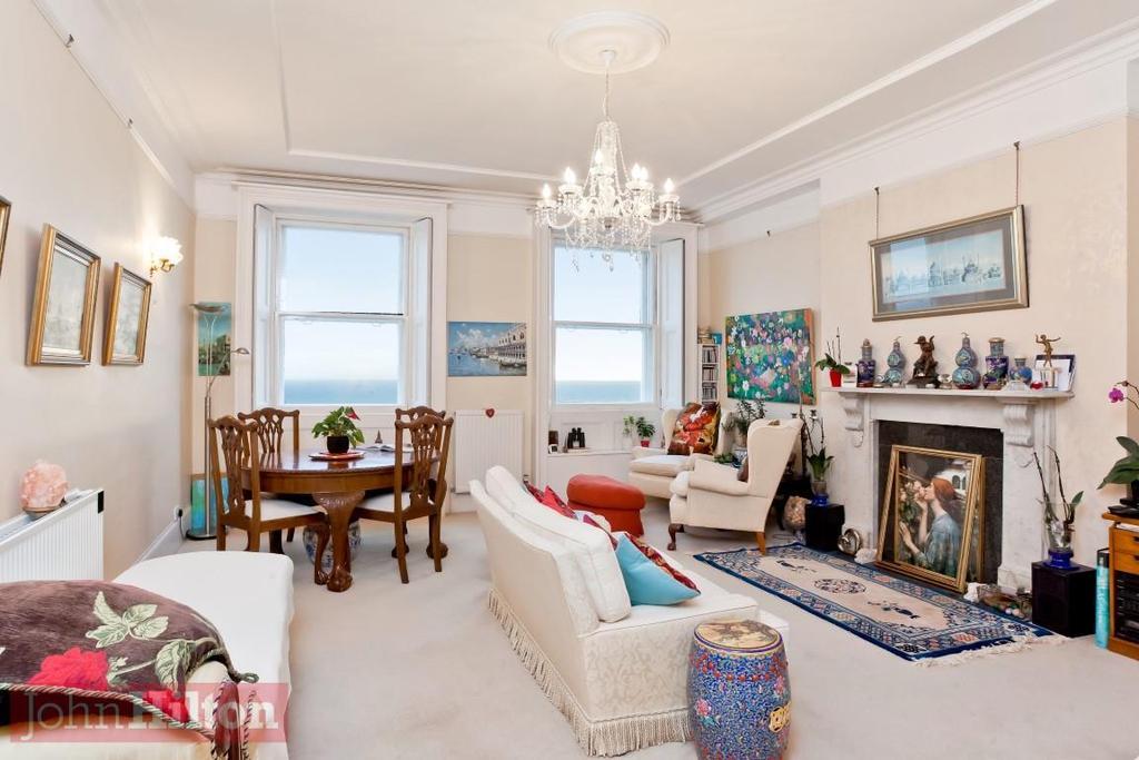 785. Living Room.jpg