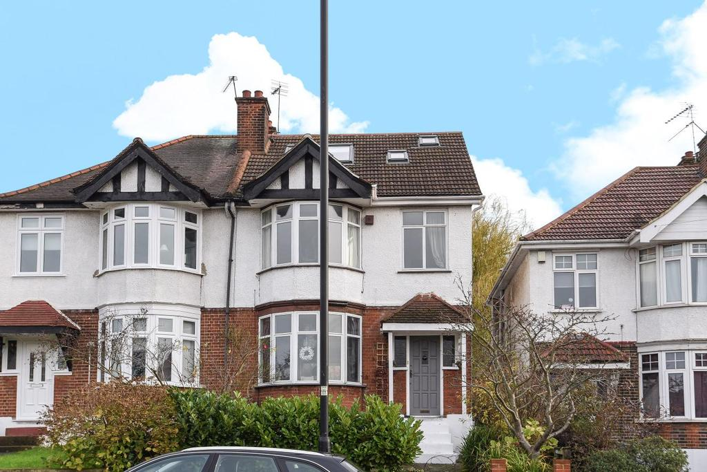 4 Bedrooms Semi Detached House for sale in Valley Road, Streatham