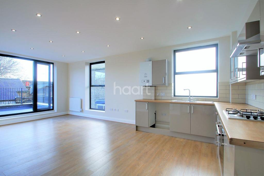 3 Bedrooms Flat for sale in High Road, Leytonstone, London, E11