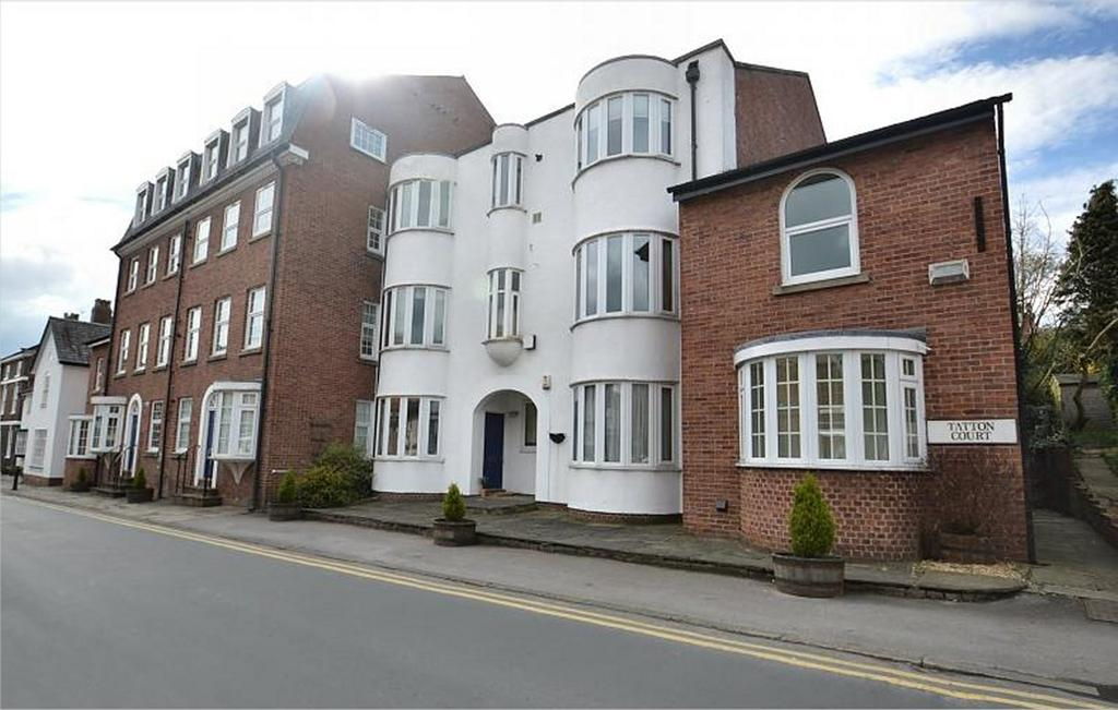 2 Bedrooms Penthouse Flat for sale in Tatton Court, King Street, Knutsford