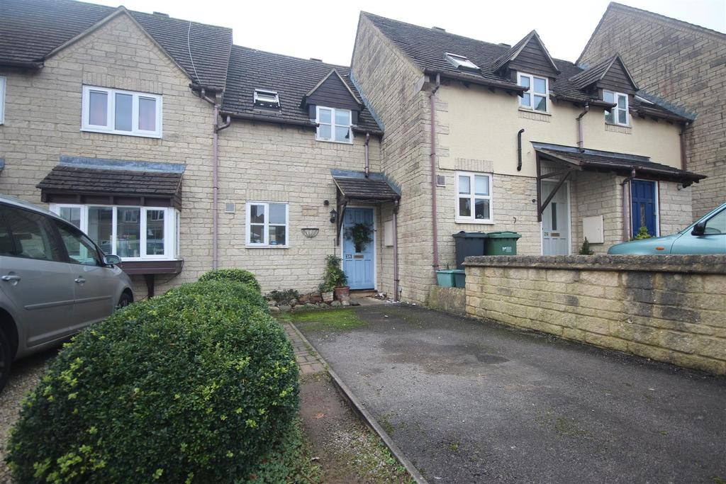 1 Bedroom Terraced House for sale in Foxes Close, Chalford, Stroud