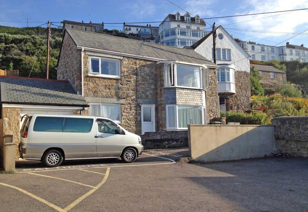 2 Bedrooms Detached House for sale in Sennen Cove, West Cornwall, TR19