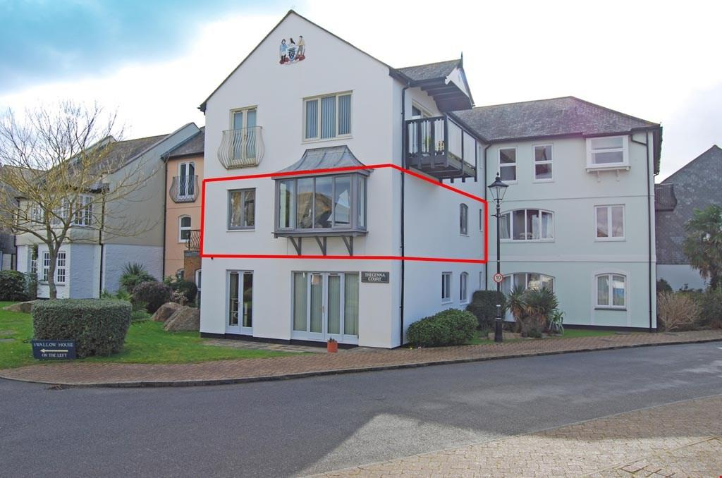 2 Bedrooms Apartment Flat for sale in Port Pendennis, Falmouth, South Cornwall , TR11