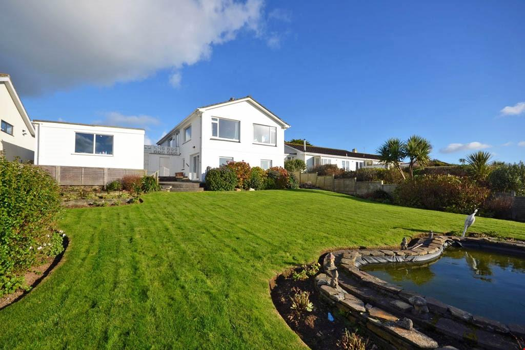 4 Bedrooms Detached House for sale in Trenance, Mawgan Porth, Cornwall, TR8