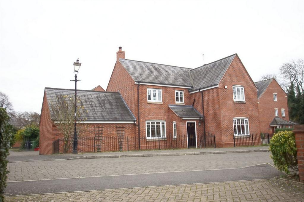 4 Bedrooms Detached House for sale in Campriano Drive, Emscote Lawns, Warwick