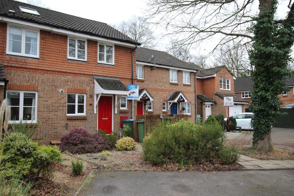 2 Bedrooms Terraced House for rent in Berber Close, Whiteley