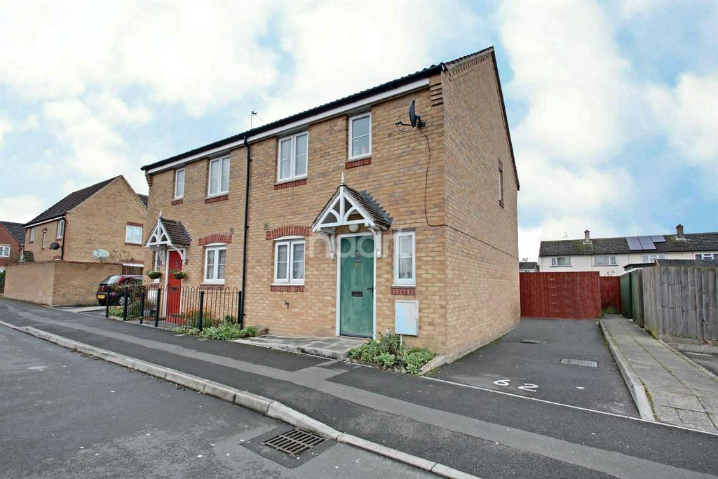 3 Bedrooms Semi Detached House for sale in Horsham Road