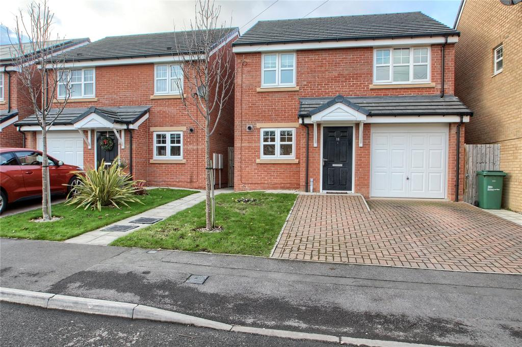 3 Bedrooms Detached House for sale in Scafell Green, Thornaby