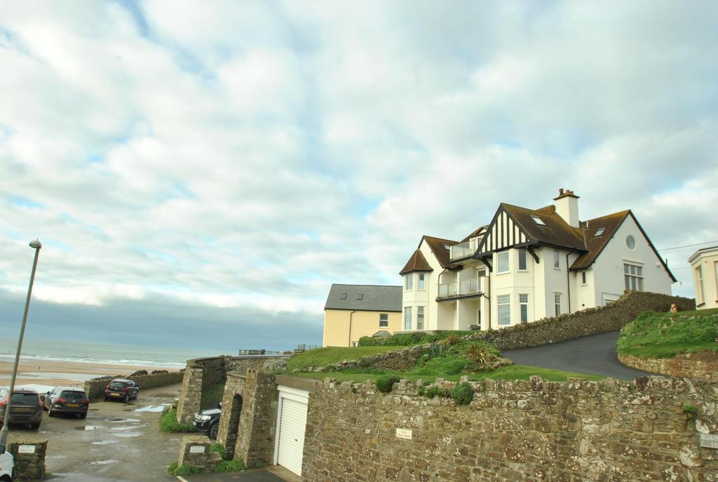 2 Bedrooms Apartment Flat for sale in Crooklets, Bude