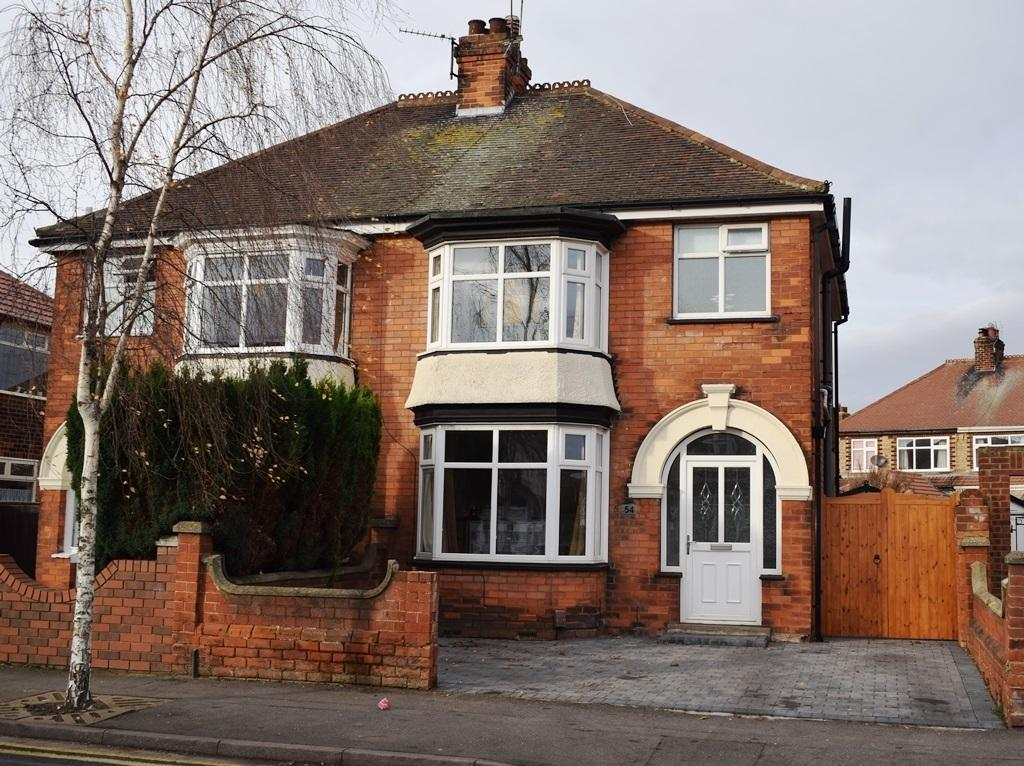 3 Bedrooms Semi Detached House for sale in Lestrange Street, Cleethorpes