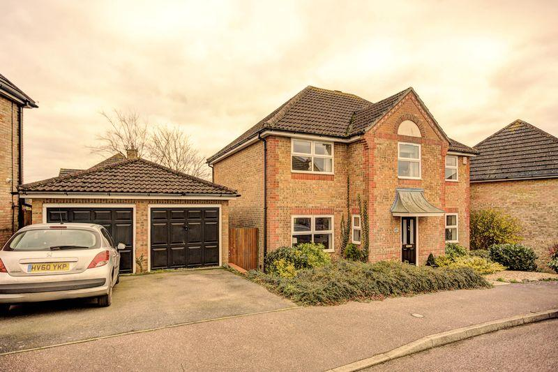 4 Bedrooms Detached House for sale in Orchard Way, Haddenham