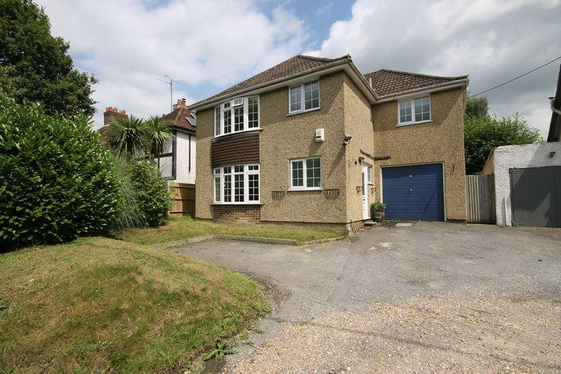 4 Bedrooms Detached House for sale in London Road, Burgess Hill, West Sussex