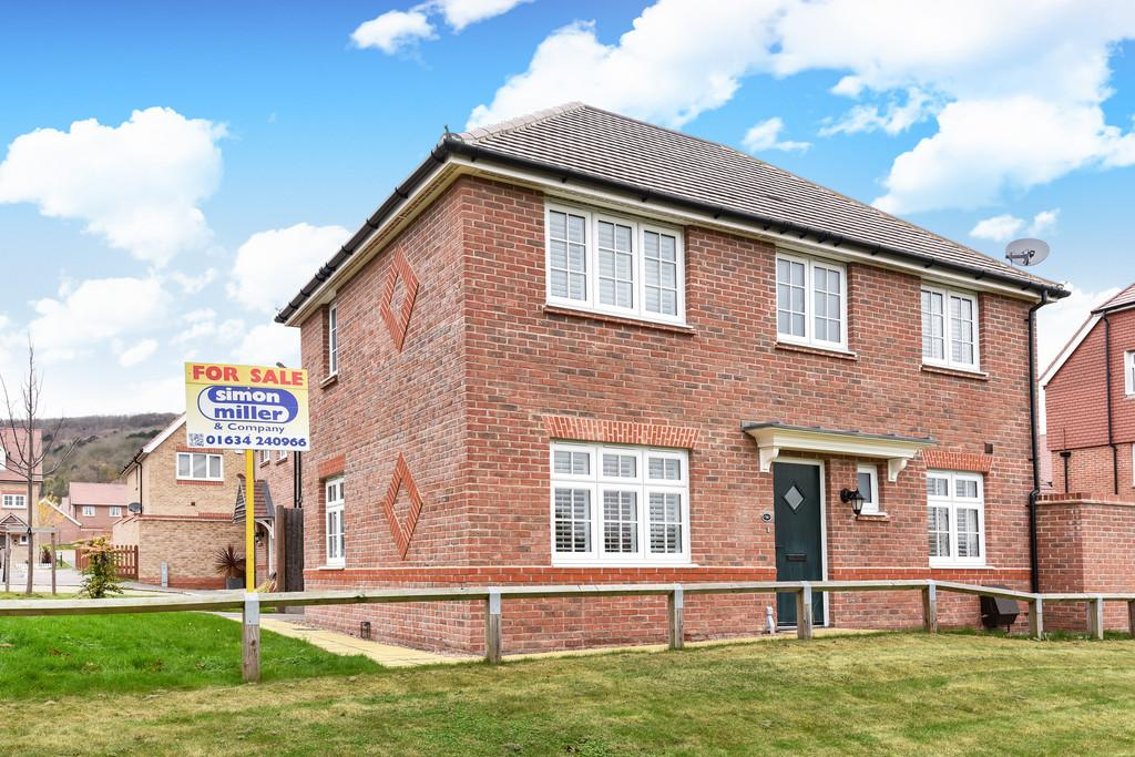 3 Bedrooms Detached House for sale in Jackdaw Way, St Andrews Park
