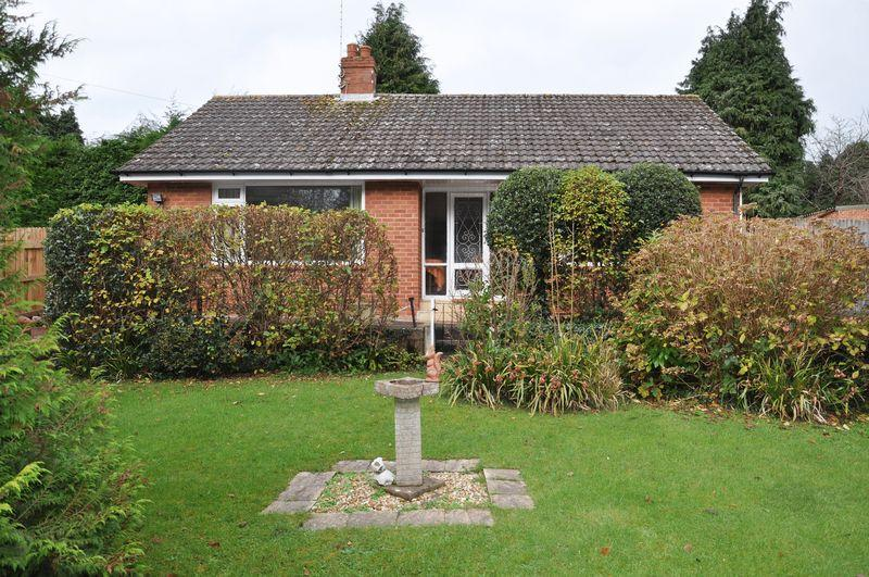 2 Bedrooms Detached Bungalow for sale in Heavitree edge, Exeter