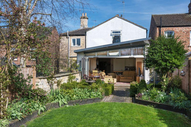 4 Bedrooms Detached House for sale in Barnack Road, Stamford