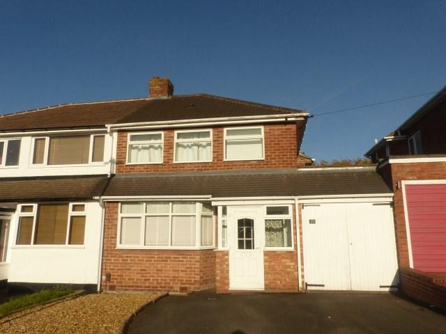 3 Bedrooms Semi Detached House for sale in Randle Drive, Four Oaks