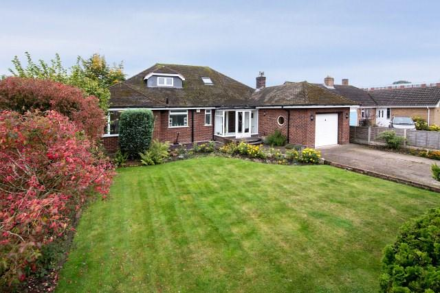 5 Bedrooms Bungalow for sale in Lichfield Road, Burntwood