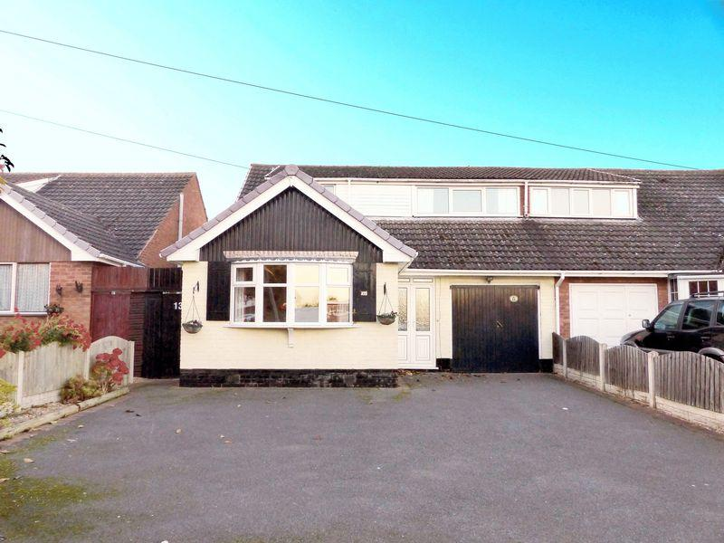 5 Bedrooms Semi Detached Bungalow for sale in Morley Road, Burntwood